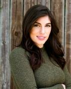 Lauren Lox Headshot 3
